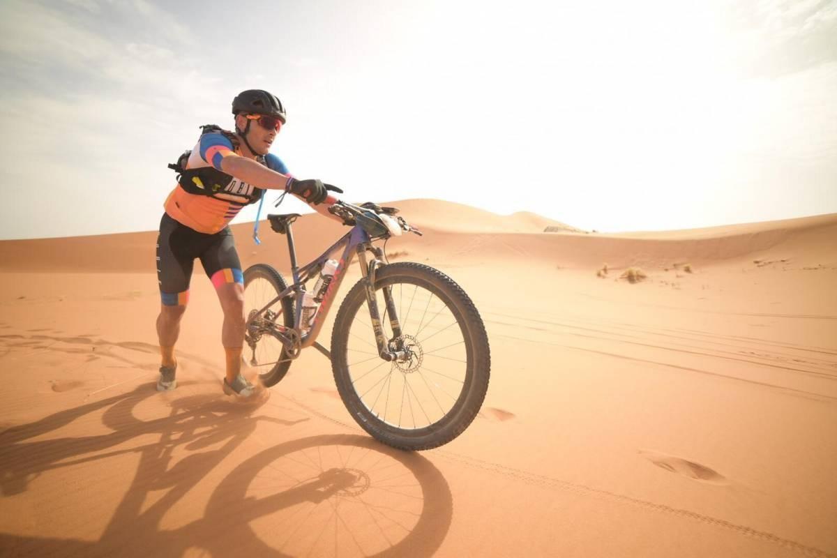 Espectacular etapa Garmin en la Titan Desert con llegada a Ouzina