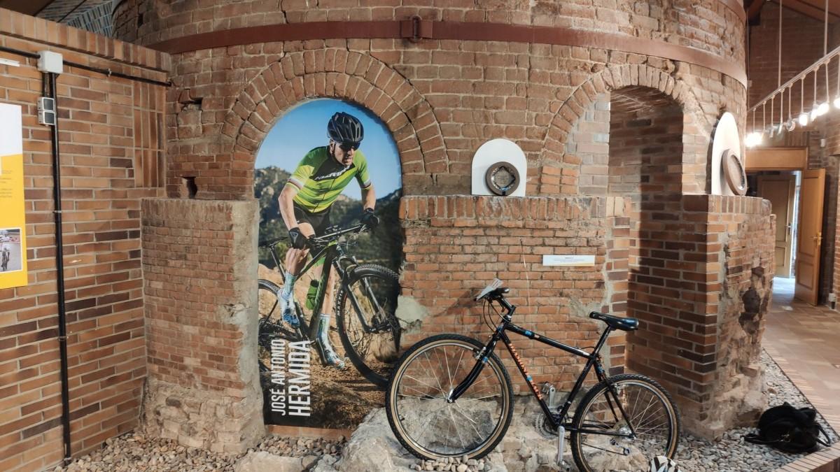 Exposición con la historia de la Clásica de Valdemorillo en su XXX aniversario