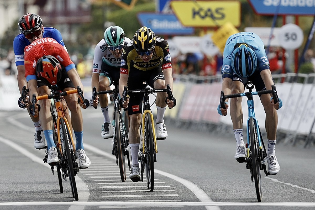 Ion Izaguirre triunfa en el sprint de Hondarribi