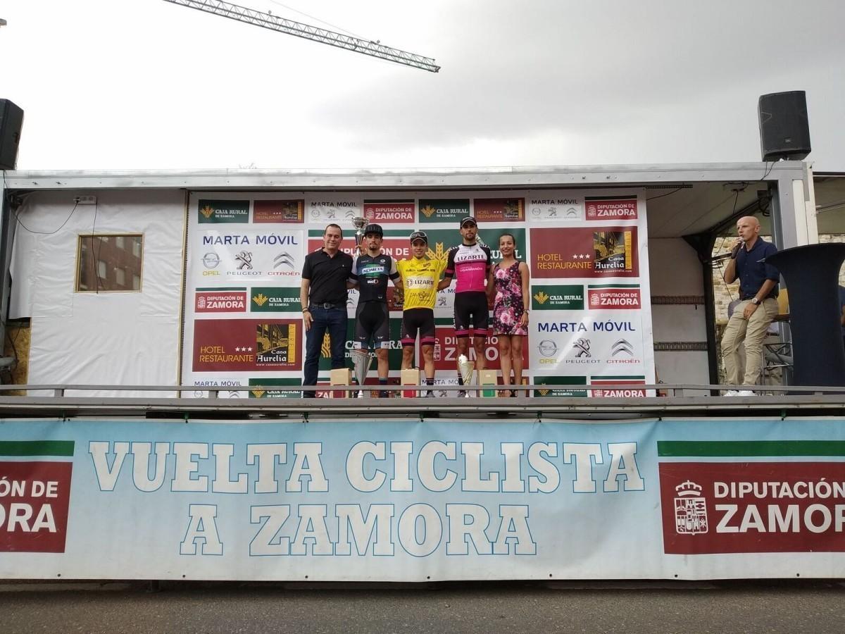 Iván Moreno y el Equipo Lizarte se imponen en la Vuelta a Zamora