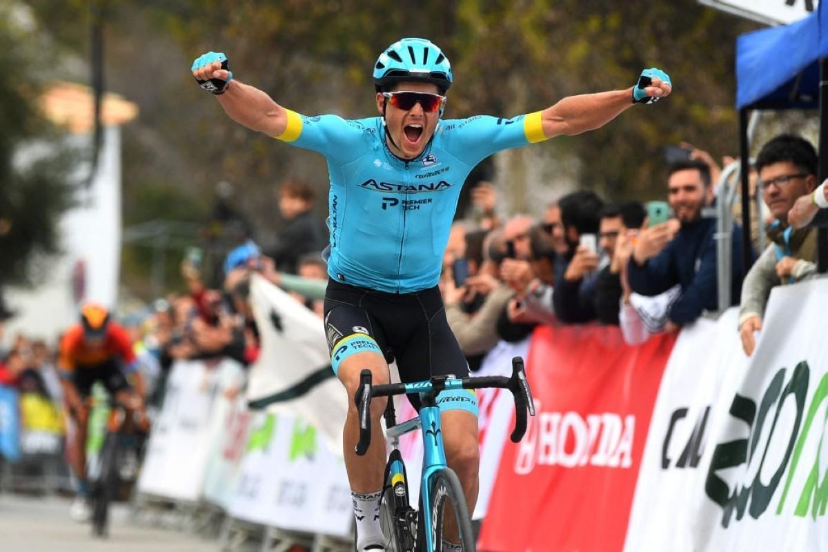 Jakob Fuglsang se lleva la primera etapa de la Vuelta a Andalucía 2020