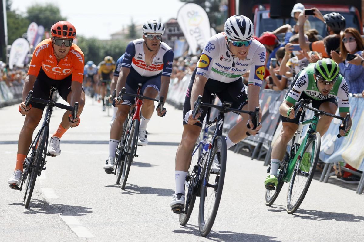 Jon Aberasturi se mantiene segundo en la general de la Vuelta a Burgos 2020