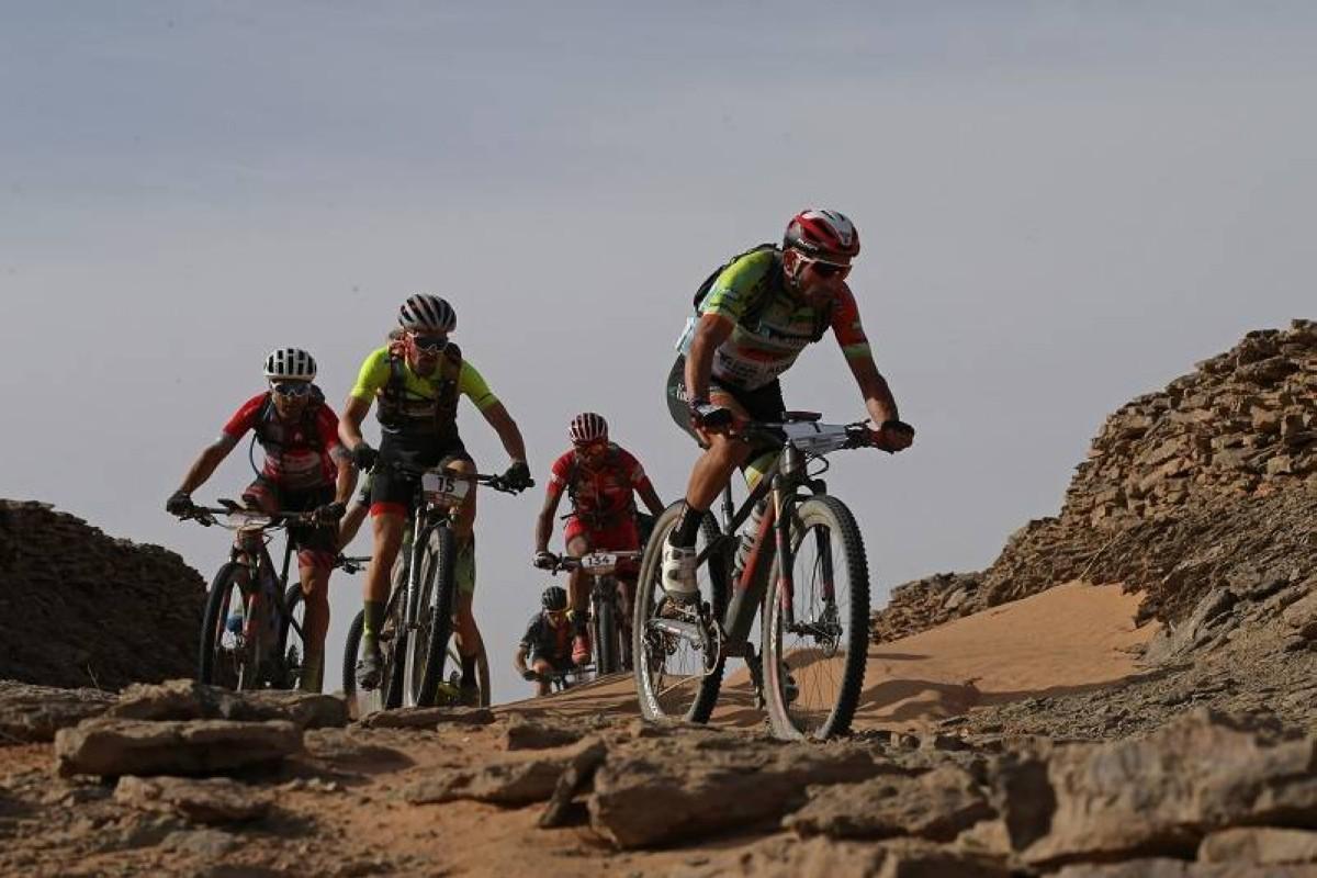José Luis Carrasco sorprende a los favoritos en la cuarta de la Titan Desert