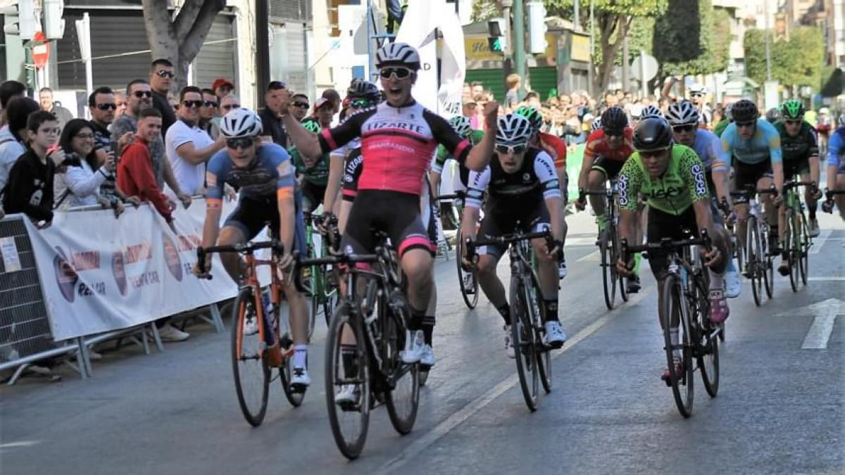 Kiko Galván se impone al sprint en el Trofeo Guerrita