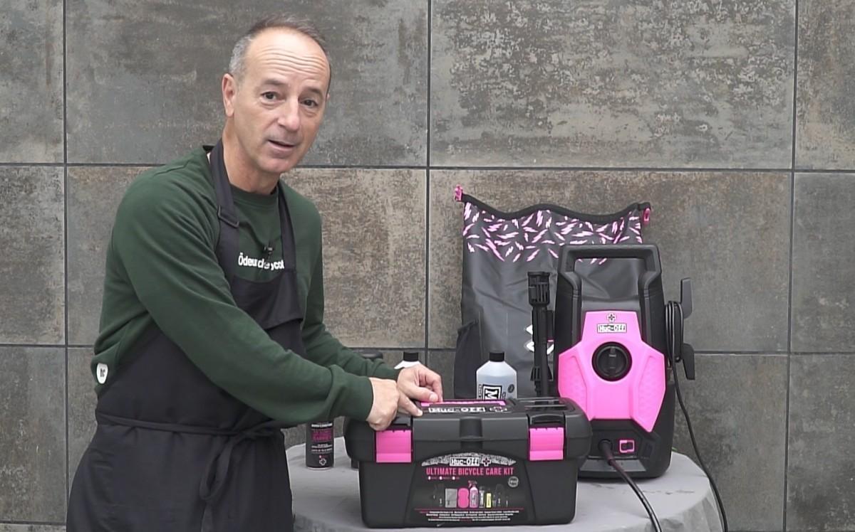 Kits Ultimate y Pressure Washer de Muc-off para la limpieza de tu bici