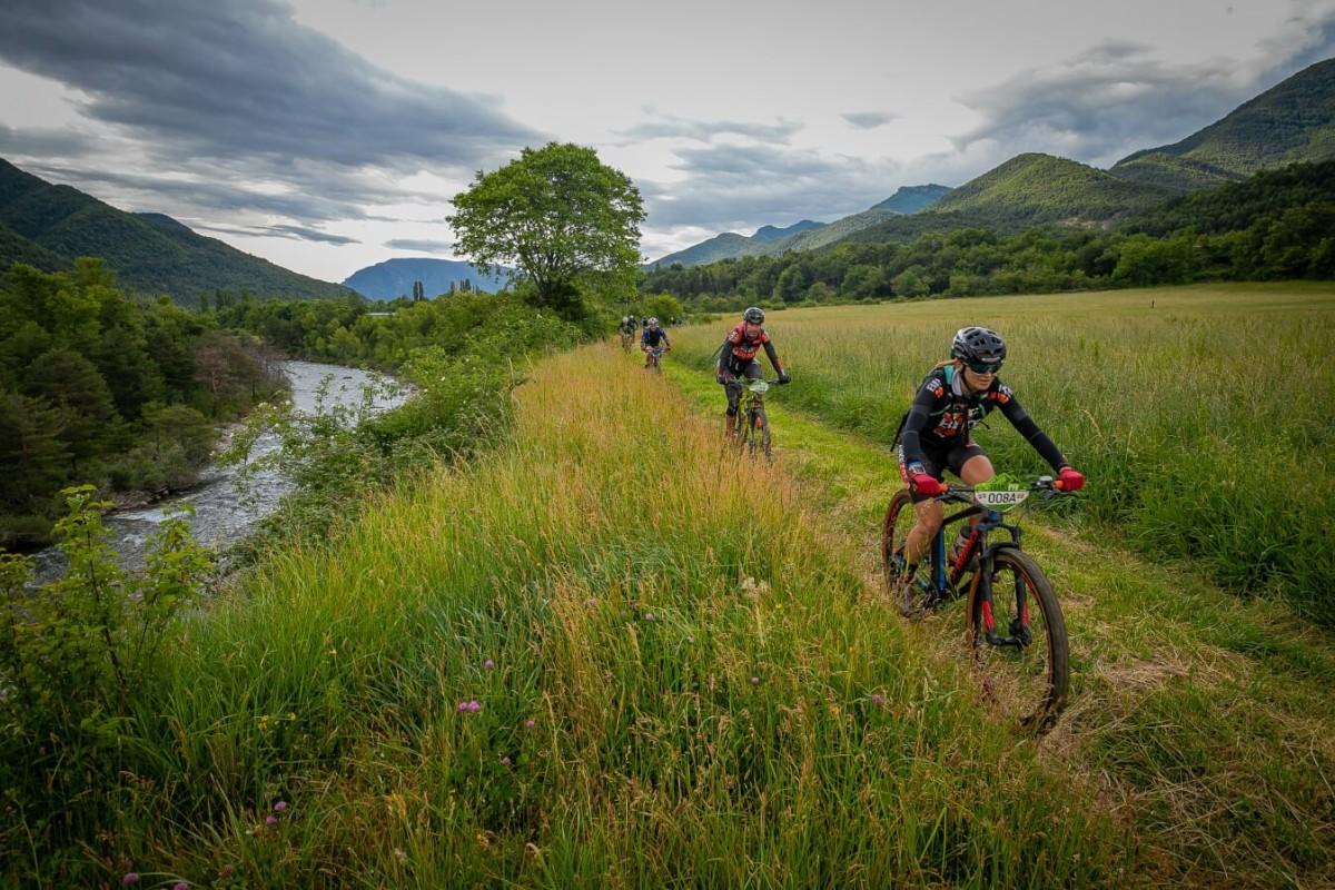 La etapa de Jaca pone a prueba la resistencia de los ciclistas en la Transpyr