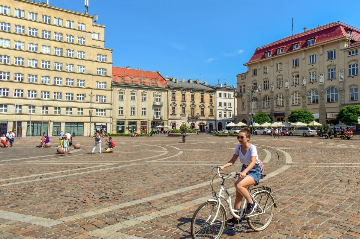 La Federación de ciclistas europeos pide cambios en las ciudades para combatir el Covid 19