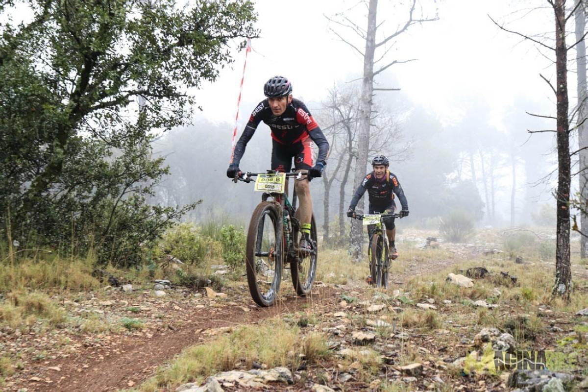 La pareja más incompatible del mtb une sus fuerzas para disfrutar de la Magina Bike