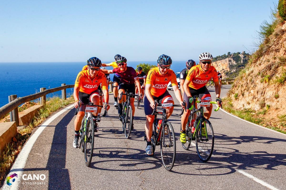 La tercera edición de la Ciclobrava reúne a más de 1.500 ciclistas