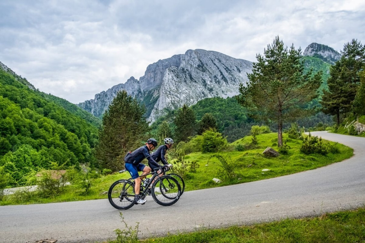 La TRANSPYR Backroads te llevará por los puertos míticos del Tour de Francia