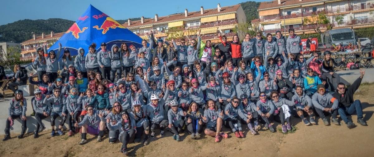 La Women Bike Party hace historia con más de 100 participantes