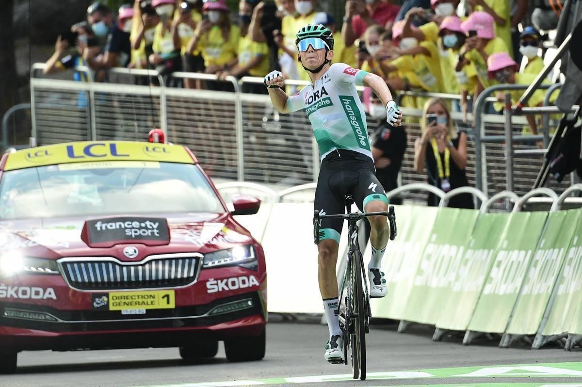 Lennard Kämna gana la etapa en otra jornada sin ataques entre los favoritos