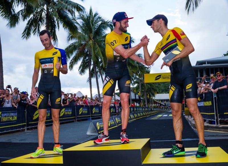 Mario Mola segundo en el estreno de la Super League Triathlon