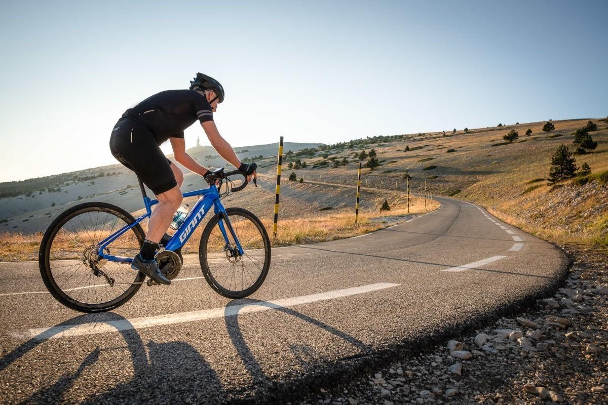 Más lejos y más rápido con la revolucionaria Road E + Pro de Giant