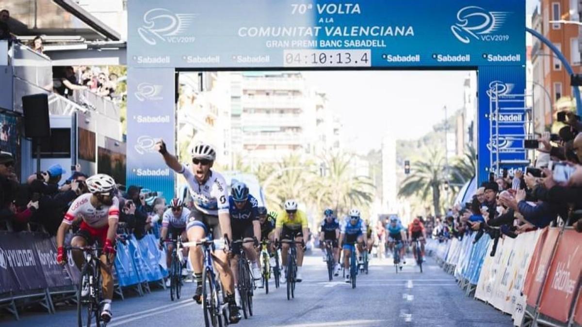 Matteo Trentin gana la segunda etapa de la 70ª VCV