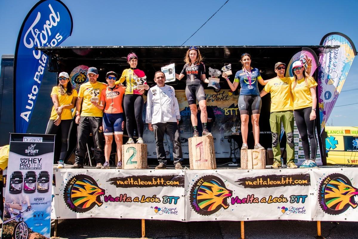 Mónica Carrascosa y Héctor Baeza ganadores de la Vuelta a León BTT