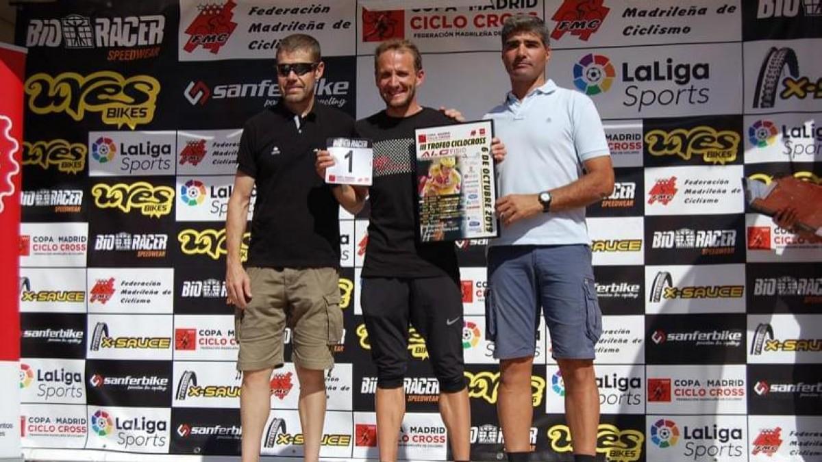 Muriel Bouhet y Carlos Hernández ganadores en el ciclocross de Tres Cantos