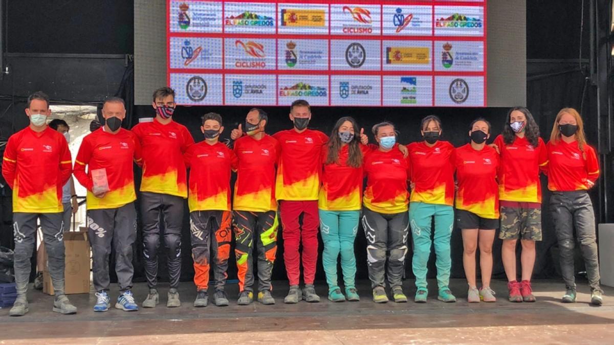 Pau Menoyo y Zoe Zamora vencen en la cita inaugural del Open de España de Descenso en El Raso