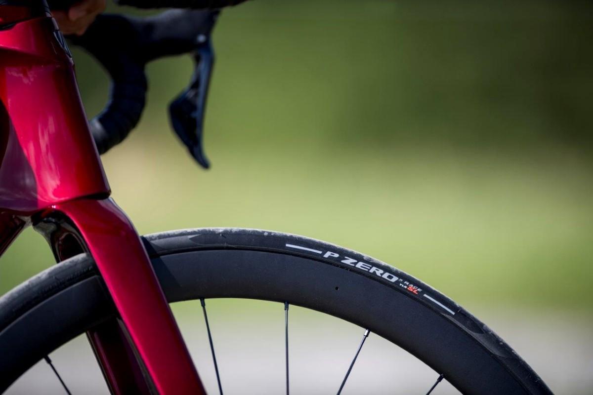 Pirelli lanza sus neumáticos tubeless de carretera para el más alto rendimiento