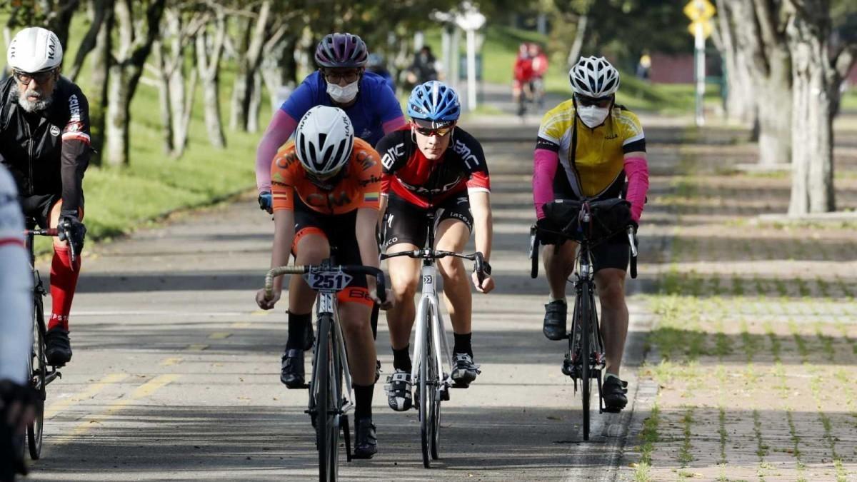 Por qué debemos aumentar la distancia de seguridad practicando deporte
