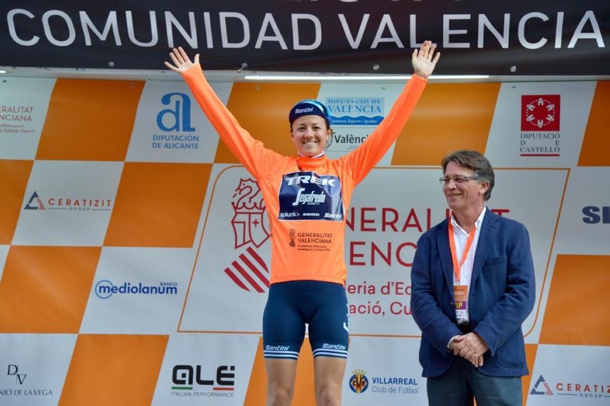 Ruth Winder gana en Gandía para convertirse en la primera líder de la Setmana de Valencia