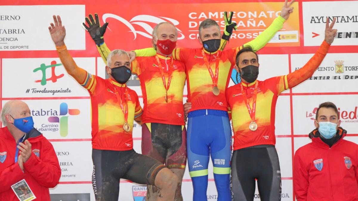 Torrelavega corona a 8 campeones máster de ciclocross