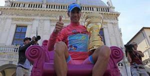 Vincenzo Nibali ya es segundo del UCI World Tour