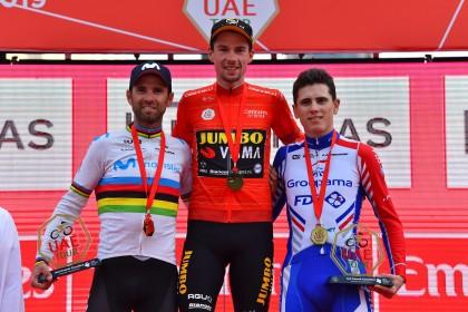 Alejandro Valverde sube de nuevo el maillot arcoiris al podio
