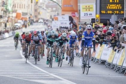 Álvaro Hodeg etapa y liderato en el arranque de La Volta 2018