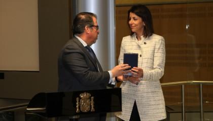 Anna González recibe la Medalla al Mérito a la Seguridad Vial