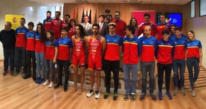 Austral y FETRI presentan la nueva línea de ropa deportiva del triatlón español
