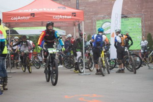 Diez Arriola (BikeZona Team) conquistó de nuevo el Open Enduro Astur