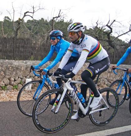 Duro entrenamiento para Movistar Team previo a la Challenge de Mallorca