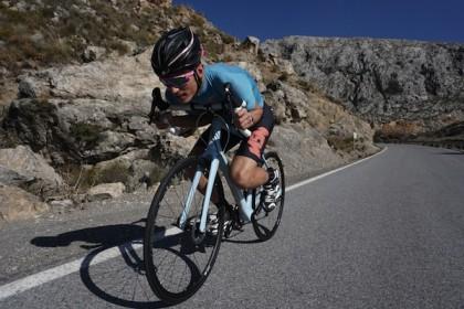 El triatleta Sergio Correa pone a prueba la Spicles Onítar EX Plus