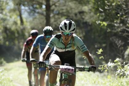Final de temporada con victoria para Claudia Galicia