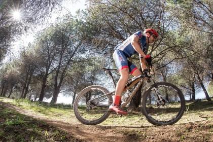 Hutchinson patrocinador oficial de la Andalucía Bike Race 2019