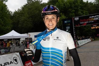 Ismael Esteban y Natalia Fischer se coronan en la Asturias Bike Race