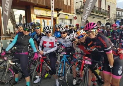 La marcha cicloturista Castro - Castro brinda por la mujer ciclista