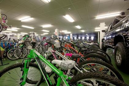 Las tiendas de bicicletas desbordadas ante la demanda de los usuarios