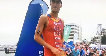 Mario Mola se coloca líder de las Series Mundiales de triatlón