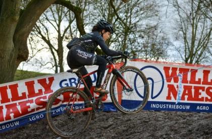 Nesta CX Team finaliza la temporada de barro en Bélgica