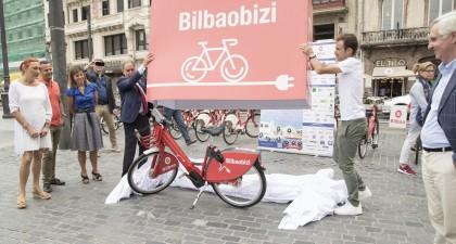 Presentadas las nuevas bicicletas de pedaleo asistido del servicio de prestamo Bilbon Bizi