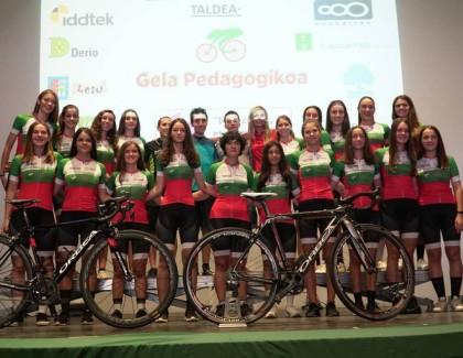 Presentado el equipo ciclista femenino TXORIERRIKO NESKEN TALDEA