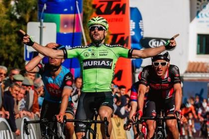 Primera victoria del Euskadi-Murias con Enrique Sanz
