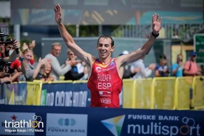 Rubén Ruzafa cuatro veces campeón del mundo de triatlón cross