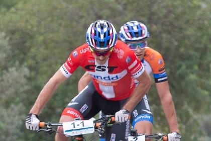 Sebastien Fini y Martin Blums vuelan en la primera de la Costa Blanca Bike Race