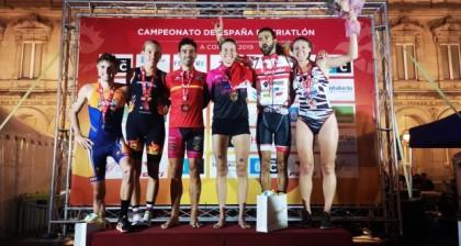 Tamara Gómez y Javier Lluch, campeones de España de Triatlón en A Coruña