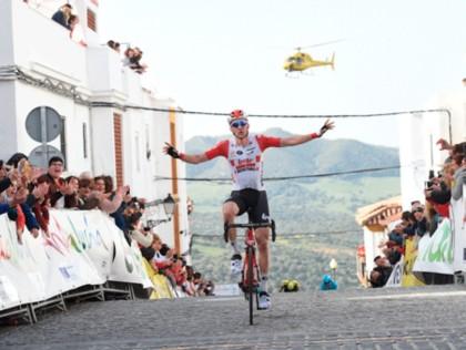 Tim Wellens es el más rápido en el arranque de la Vuelta a Andalucía 2019