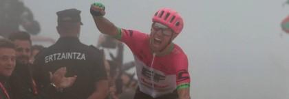 Vídeo Vuelta a España: Valverde se consolida en el podio y Woods gana en el balcón de Bizkaia