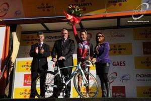 Purito recibe el trofeo como ganador del UCI World Tour 2012